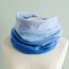 100% Cashmere Cowl in Ombre Shades of Blue - Cashmere Circle Scarf - Infinity…