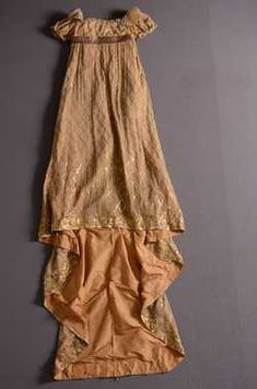 jurk (1807 - 1810) Zijde; gouddraad. Inventarisnummer 4477