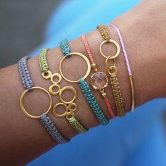 Simple Shamballa Bracelet DIY, jewelry DIY  http://tech.beads.us/details-Simple-Shamballa-Bracelet-2701.html
