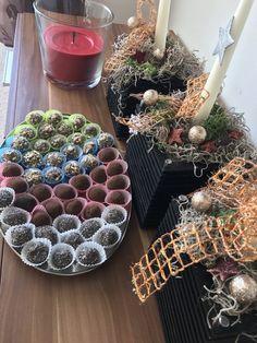 70 g mletého máku 30 g chia semínek 60 g mletých vlašských ořechů 60 g mletých mandlí 60 g sušených brusinek 100 g ovesných vloček (rozemletých) 1 lžíce medu či oblíbeného sirupu (javorového, agáve, či kokosového) Succulents, Plants, Fit, Shape, Succulent Plants, Plant, Planets