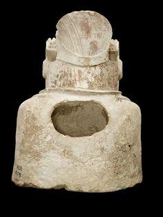 Vista posterior de la Dama de Elche.Museo Arqueológico Nacional. https://es.wikipedia.org/wiki/Dama_de_Elche