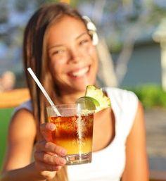 Mai Tai drink - woman drinking alcohol on Hawaii. Beautiful girl enjoying alcoholic beverage cocktail outside on beach in beach club. Smiling happy mixed race Asian Caucasian woman on Hawaiian beach. Zumba, Fitness Tips, Health Fitness, Best Workout Routine, Alcoholic Drinks, Cocktails, Caucasian Woman, Stay On Track, Mai Tai