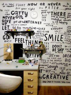 Ściana w pokoju Piotrusia
