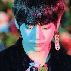 轉 'Tear' Comeback Trailer Taehyung Jimin, Bts Bangtan Boy, Bts Jin, Rap, Bts Love Yourself, Most Handsome Men, V Taehyung, Bts Pictures, Bts Members