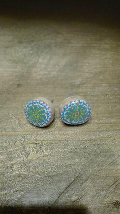 Σκουλαρικια απο ξυλο ελιας, ζωγραφισμενα στο χερι και καλυμενα με υγρο γυαλι.... Druzy Ring, Turquoise, Rings, Jewelry, Jewlery, Jewerly, Green Turquoise, Ring, Schmuck