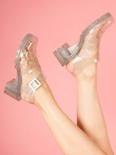 Juju Babe Jelly Sandals in Silver selected by I honestly need to re -evaluate my sense of taste because I think these shoes are just awesome. Jelly Shoes, Jelly Sandals, Women's Shoes Sandals, Heels, Juju Jellies, Sock Shoes, 90s Shoes, Street Style, Summer Shoes