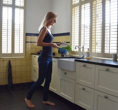 Our new house: the kitchen - Anne Travel Foodie Green Kitchen, New Kitchen, Small Stove, Yellow Tile, Wooden Shutters, Healthy Dips, Kitchen Stories, Old Farm, Foodie Travel