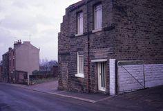 44 Snapshots of Sheffield In The - Flashbak Industrial Architecture, Teaching Aids, Sheffield, Pinterest Marketing, Social Media Marketing, 1970s, Writing Inspiration, Medium, Shops