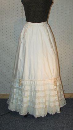 1890s Fashion, Vintage Fashion, Cotton Slip, White Cotton, Beautiful Outfits, Beautiful Clothes, Vintage Underwear, Lace Ribbon, Hemline