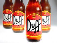 Cerveja Duff Gold, estilo Standard American Lager, produzida por Duff Argentina, Argentina. 4.5% ABV de álcool.
