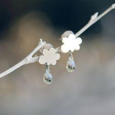 Cloud earrings  Aquamarine gem stones di joojooland su Etsy