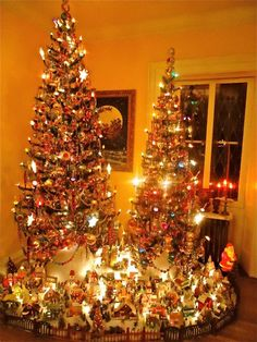 Decorating with Christopher Radko Christmas Trees ~ www.radkoforsale.com