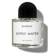 Byredo La Tulipe Eau de Parfum is an elegant and floral fragrance with notes of cyclamen, rhubarb and vetiver. Parfum Rose, Fragrance Parfum, Fragrances, Giorgio Armani, Mojave Ghost, Mojave Desert, Best Perfume, Armani Prive, Gypsy