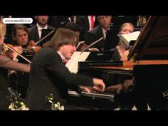 Video: Daniil Trifonov - Chopin - Piano Concerto No. 2. Watch this concert in full at http://www.medici.tv/#!/masaaki-suzuki-daniil-trifonov-bach-chopin-mendelssoh...    Daniil Trifonov, piano  Masaaki Suzuki, conductor  Verbier Festival Chamber Orchestra    Frederic Chopin  Piano Concerto No. 2 in F minor, Op. 21  2. Larghetto    Excerpt from a concert recorded live at the 2012 Verbier Festival and broadcast on medici.tv. TV director: Anaïs Spiro