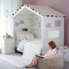 Classic Little White Day Bed