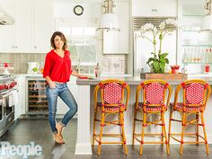 Bethenny Frankel's Decorating Style: 'Half of My House Is From T.J. Maxx' http://greatideas.people.com/2015/07/17/bethenny-frankel-hamptons-home-decorating-tips/