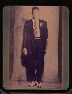 """El dia de mi boda""   1955   I'm wearing a jacket and a necktie, so it must be my wedding.    Persona: Levi Bryant    Colaborador: Levi Bryant  CC_001_014"