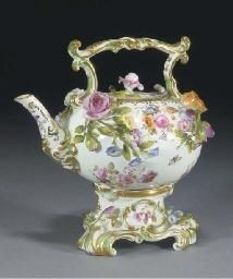 A Coalport teapot, cover and stand