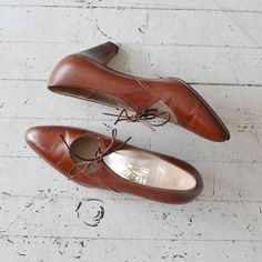 Salvatore Ferragamo shoes / tooled leather oxfords / by DearGolden, $58.00