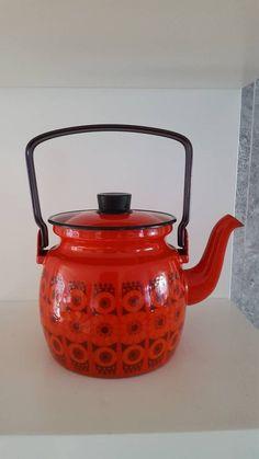 Vintage Tea, Vintage Shops, Retro Table, Kitchenware, Tableware, Retro Kitchen Decor, Buy Kitchen, Kitchen Tools, Swedish Design