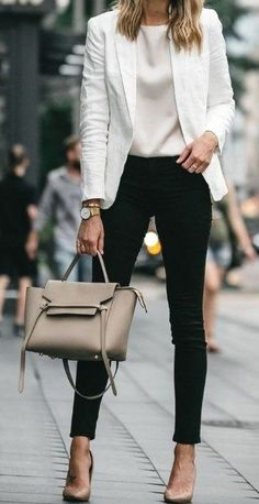 ♥ 63 best and stylish business casual work outfit for women 54 - business professional outfits offices Classic Work Outfits, Casual Work Outfits, Winter Outfits For Work, Business Casual Outfits, Mode Outfits, Work Casual, Stylish Outfits, Business Attire, Outfit Work