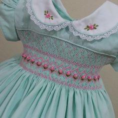 Pink Dresses For Kids, Vintage Baby Dresses, Girls Smocked Dresses, Baby Girl Dresses, Baby Girl Frocks, Frocks For Girls, Baby Girl Frock Design, Little Girl Outfits, Smock Dress