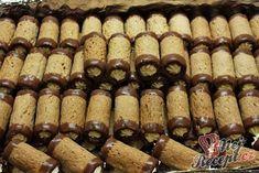 Ořechové vánoční trubičky | NejRecept.cz Baking Recipes, Cookie Recipes, Deutsche Desserts, German Desserts, Salty Snacks, Cake Bars, Hungarian Recipes, Pastry Cake, Desert Recipes