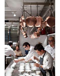 46 Modern Restaurant Kitchen Design Ideas - nicholas news Pizza Restaurant, Open Kitchen Restaurant, Restaurant Ideas, Chef Kitchen, Coffee Shop Interior Design, Coffee Shop Design, Restaurant Lighting, Restaurant Concept, Küchen Design