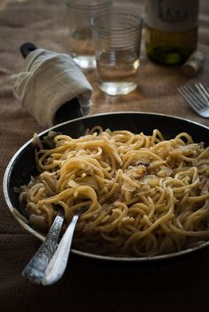 kiyoaki:    (vía Life Love Food: Italian Table Talk Holiday Edition: Bìgoi in Salsa)