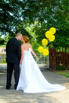 Taylor & Christian's Alabama Summer Wedding in Citrus Hues|Photo by: fotowerkscustomphotography.com