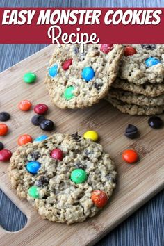 Looking for an easy and yummy cookie to make with your kids? This monster cookies recipe is fun to make, easy to customize and YUMMY! Find out how to make them!