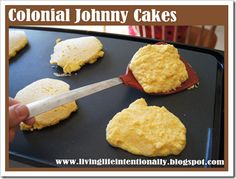 Loved the idea of making Colonial Johnny Cakes 4th Grade Social Studies, Teaching Social Studies, Us History, American History, History Education, Teaching History, Colonial America Unit, Johnny Cakes Recipe, Colonial Recipe