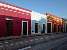 Mérida, Mexico. 1,055,000 hab.