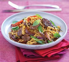 Thai beef, chilli and basil stir-fry - Healthy Food Guide Healthy Foods To Eat, Healthy Eating, Healthy Recipes, Delicious Recipes, Sweet Chilli Sauce, Beef Stir Fry, Pasta Shapes, Broccoli Beef, Stir Fry Recipes