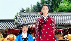 둘째아들 연잉군♡♡♡Dong Yi (Hangul: 동이; hanja: 同伊) is a 2010 South Korean historical television drama series, starring Han Hyo-joo, Ji Jin-hee, Lee So-yeon andBae Soo-bin. About the love story between King Sukjong and Choi Suk-bin, it aired on MBC from 22 March to 12 October 2010 on Mondays and Tuesdays at 21:55 for 60 episodes.cal television drama series, starring Han Hyo-joo, Ji Jin-hee, Lee So-yeon andBae Soo-bin. About the love story between King Sukjong and Choi Suk-bin, it aired on MBC from 22…