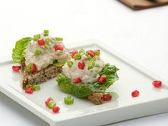 Tunfiskrøre er sunt, godt og perfekt pålegg til lunsjen. Lag «salaten» kvelden i forveien, så tar det null tid å klargjøre matpakka om morgenen.