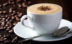 Deixe o café do dia a dia ainda mais gostoso, aprenda como preparar uma receita de café com um toque de aroma de canela. Leia também Como fazer café cremoso Chocolate quente com marshmallow fica incrível Passo a passo do tradicional café Ingredientes ½ x