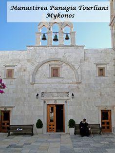 """Situata la 8 km de capitala insulei, manastirea Panagia Tourliani din Ano Mera isi trage numele de la o icoana nepretuita, facuta de evanghelistul Loukas. Manastirea a fost fondata in 1542 si a fost numita atunci Biserica Infatisarii Fecioarei Maria (""""Eisodia tis Panagias""""). In 1767, manastirea a fost renovata si a ramas la fel de atunci."""