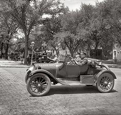 Washington, D.C., Fire Department car circa 1926. S)