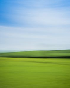 Photo Ideas: learn how to make an abstract landscape using a simple panning technique