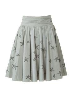 Jupe patron gratuit Burda Fashion free skirt pattern stars are so cute! Burda Fashion, Fashion Sewing, Diy Fashion, Skirt Fashion, Fashion Ideas, Skirt Patterns Sewing, Sewing Patterns Free, Clothing Patterns, Skirt Sewing