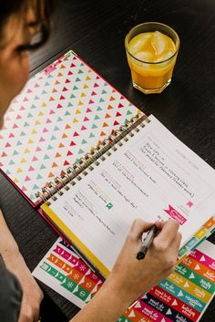 Living Well Planner - The 5 Habits of Highly Successful Women in Business. Habit They set their day up for success. Sign Up Sheets, Learning To Say No, Business Inspiration, Business Ideas, Planner Organization, Organizing, Band Aid, Successful Women, Toxic Relationships