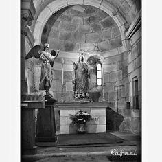 Buenos días amIG@s míos. Iglesia de Santiago, en la Ciudad Vieja de La Coruña. #olladasmiñas #lacoruña #acoruña #coruña #ciudadviejacoruña…