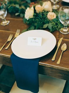 Gold-plated silverware, navy napkin and ceramic plates create a beautiful table setting! #cedarwoodweddings 10.15.17 :: Rin + Colin | Cedarwood Weddings