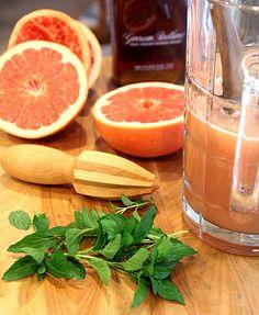 Texas Bourbon Grapefruit Punch. I want.