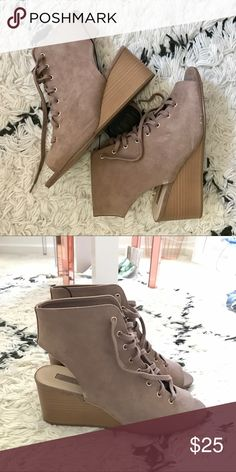 Forever 21 Tie Up wedges Tan wedges with laces to tie up! Never worn and new with tag!!! COLOR- Taupe Forever 21 Shoes Wedges