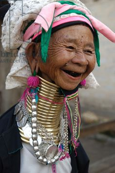 She has such a beautiful face ... Myanmar: Margarita is one of few surviving Padaung woman who still wear rings on her neck to elongate it. The tradition of wearing rings is no longer practiced amongst Padaung people.