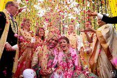 Wedding Family Photo Ideas You Must Bookmark For Your Wedding Happy Family Pictures, Family Photos, Couple Posing, Couple Portraits, Beautiful Family, Beautiful Day, Royal Family Portrait, Wedding Pictures, Wedding Ideas