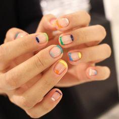 minimal nail art design | negative space nail art | le manu a espaces vides | ideas de unas