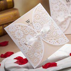 50 pcs Branco Convites de Casamento Do Laço de Luxo Elegante Em Relevo Envelope De Papel Da Fita Da Borboleta Impressão dos Convites Do Casamento Cartões(China (Mainland))